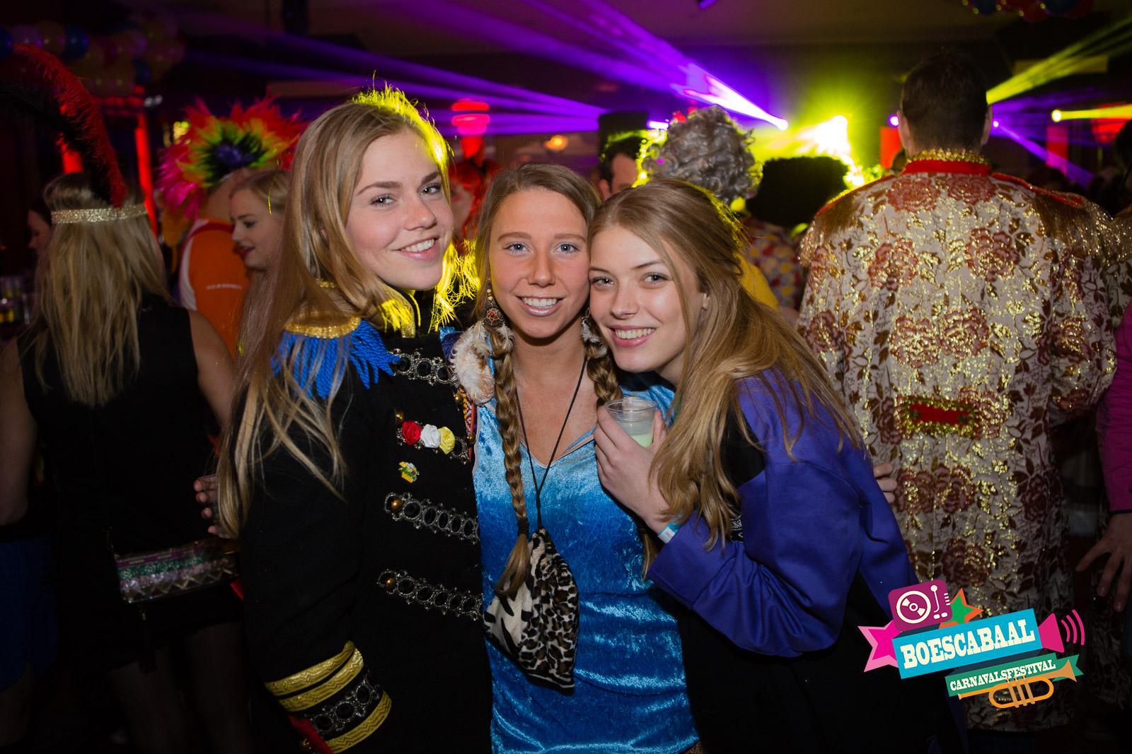BoesCabaal Carnavalsfestival voor jong en oud met DJ kapellen en live feestmuziek