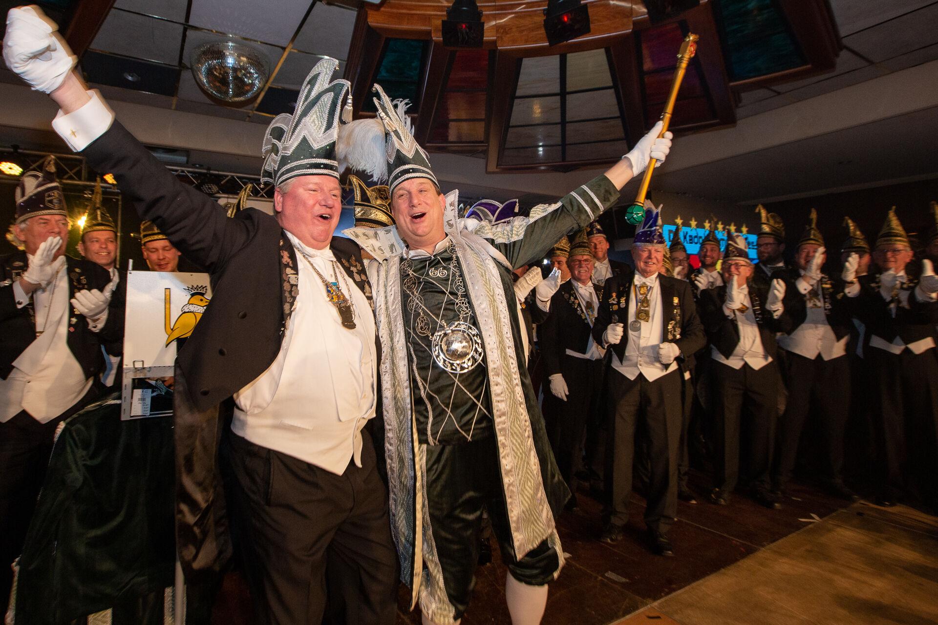 Stadsprins Rob de 66e stadsprins van de Boeskoolstad en Sik Bert in het 66e jubileumjaar van OCV De Kadolstermennekes